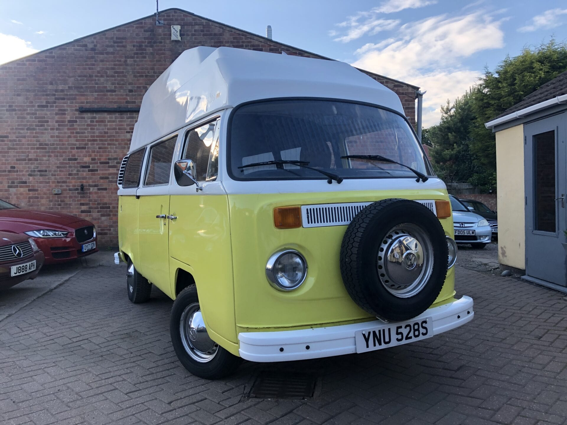 myCar - 1977 VW Volkswagen 2.0 Petrol Bay Window Type 2 LHD