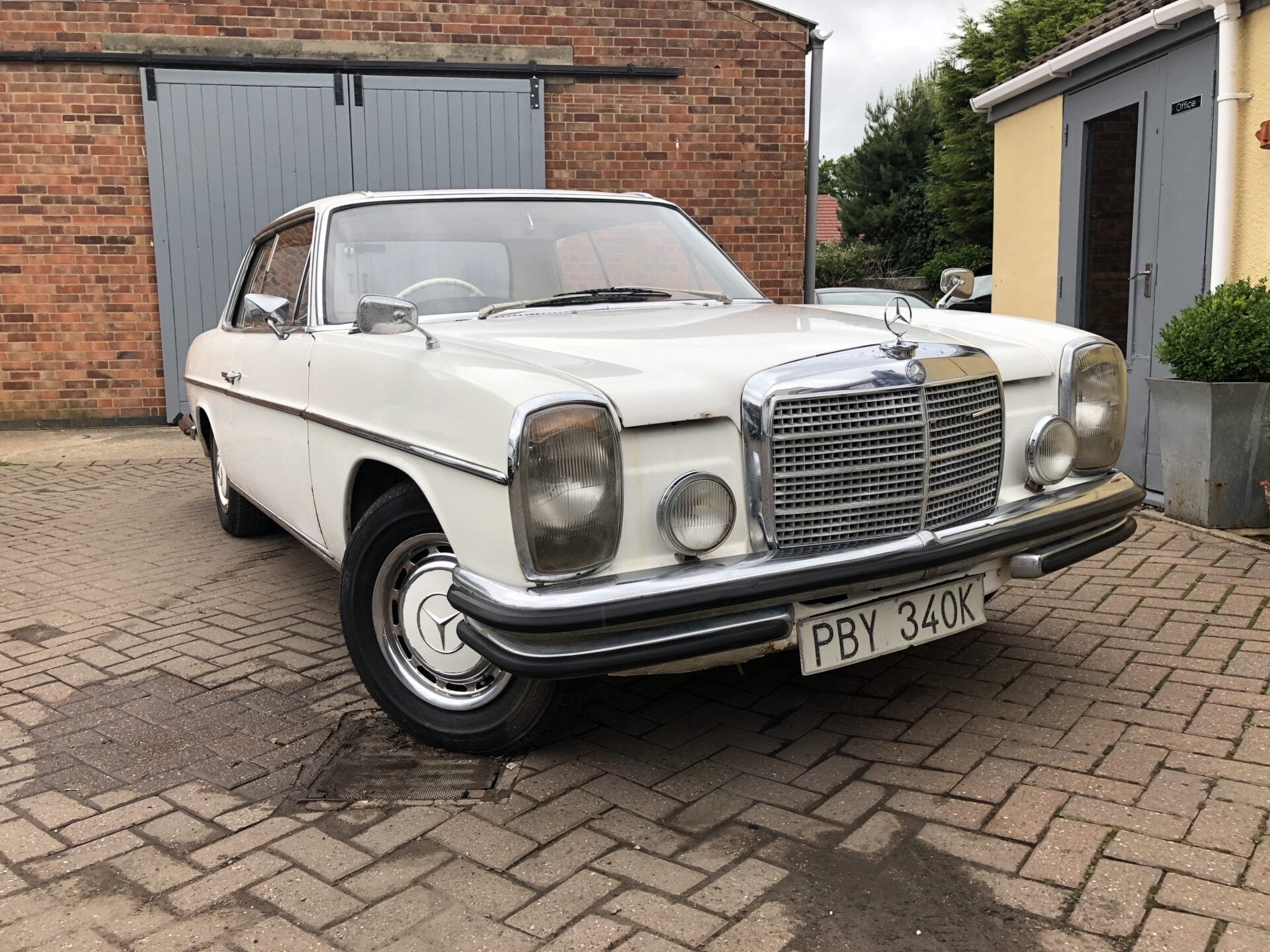 myCar UK - 1971 Mercedes-Benz 250 CE Pillarless Coupe W114