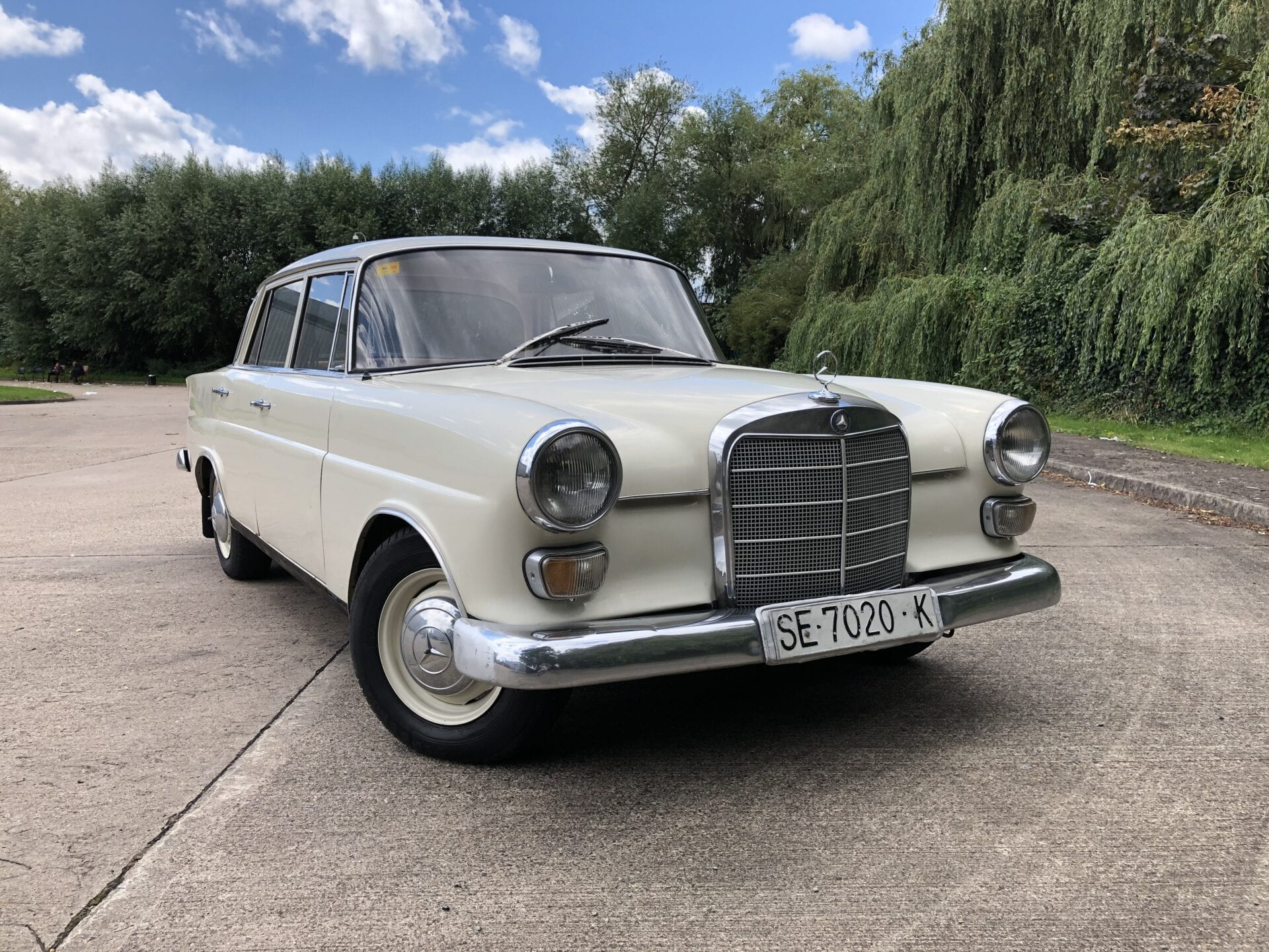 myCar UK - 1967 Mercedes-Benz 200D Fintail W110 LHD