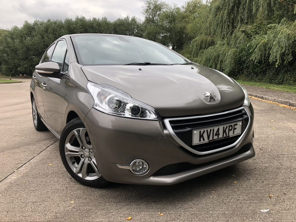 myCar UK - 2014 Peugeot 208 1.6 e-HDi Allure